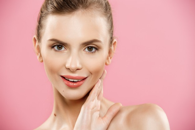 How To Get Instant Glowing Skin - 9 Tried & Tested Tips 4 - Daily Medicos
