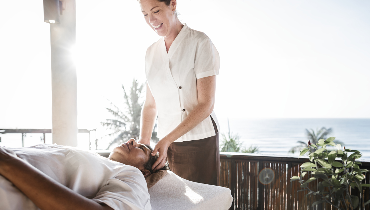 Massage- a healing and stress-free path! 10 different types of massage techniques and their benefits 1 - Daily Medicos