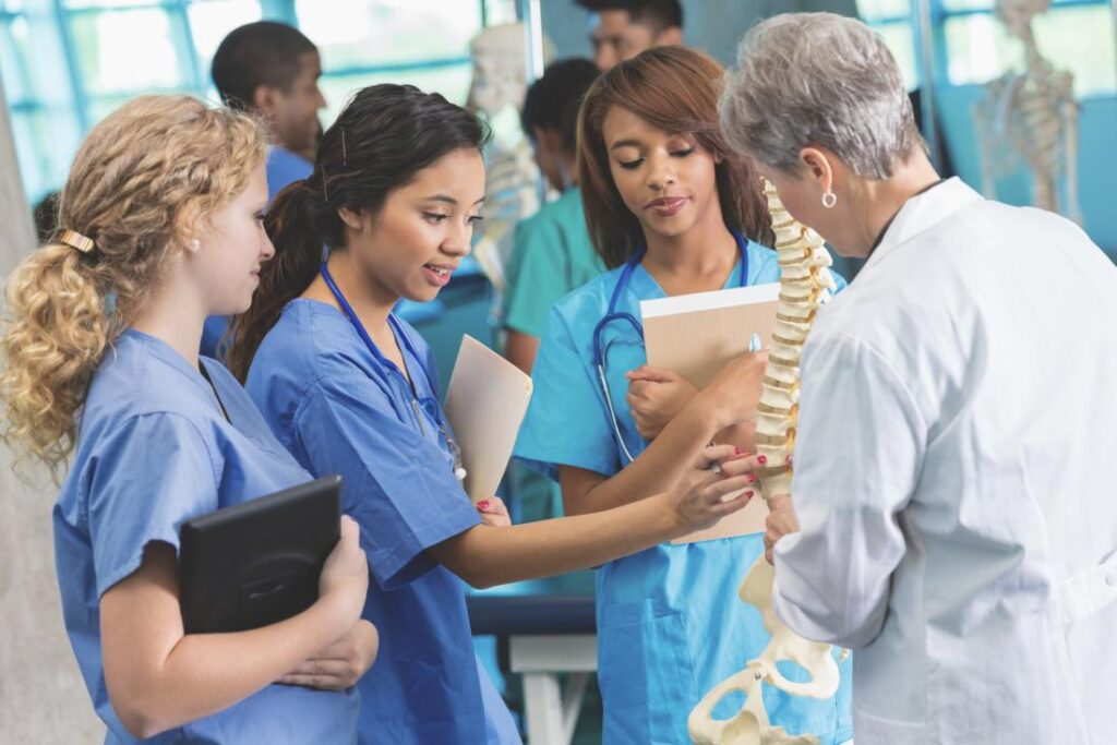 Top 05 Best Medical Fields for Female in Pakistan [Detailed Guide] 2 - Daily Medicos