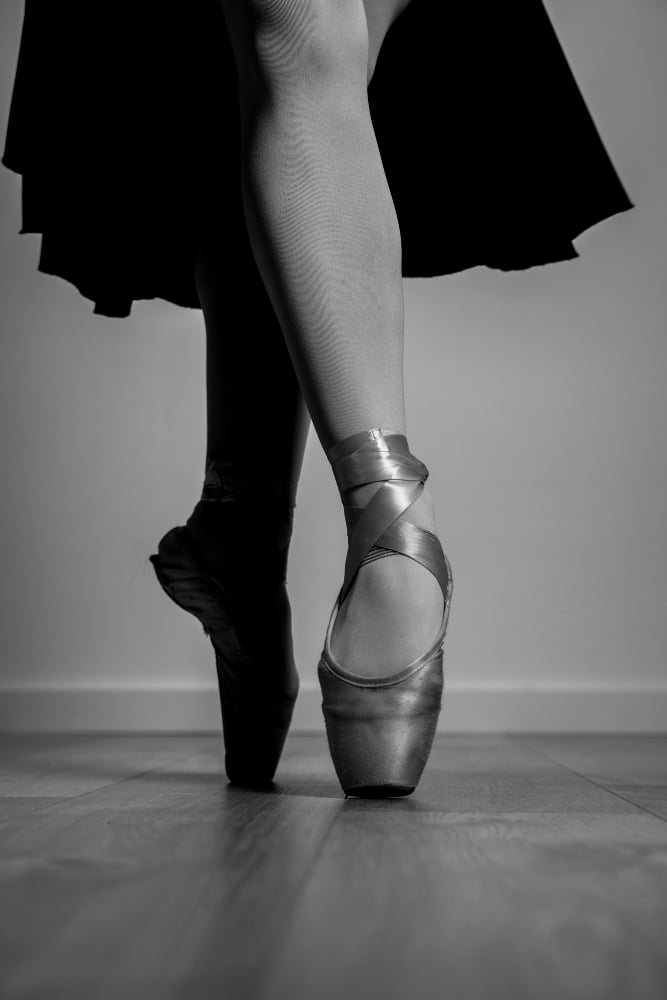 Sickled Feet in Ballet | How to avoid sickling | Why do you get sickled feet in ballet? 2 - Daily Medicos