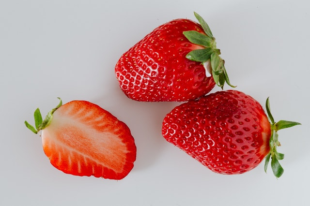 Are Strawberries Acidic? Science-Backed Answer 2 - Daily Medicos
